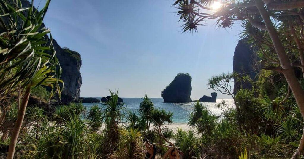 Nui Bay through the jungle